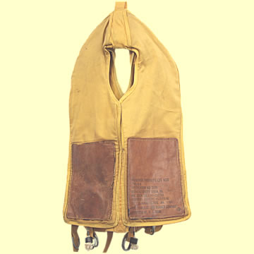 USAAF Preserver, Pneumatic Life Vest - Click for the bigger picture