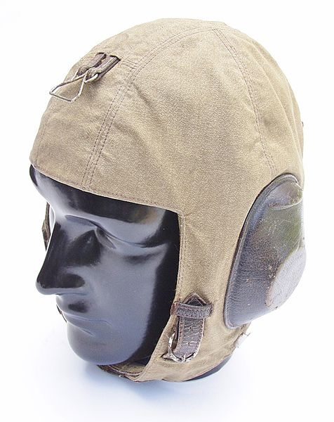 Luftwaffe LKpS101 Flying Helmet - Click for the bigger picture