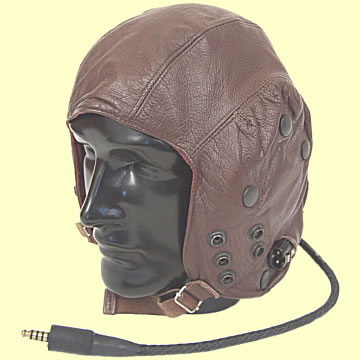 Private Pilot\'s Flying Helmet - Click for the bigger picture
