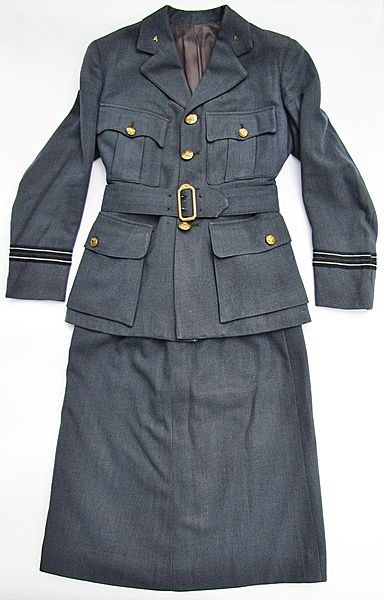 WAAF Flight Officers Tunic and Skirt - Click for the bigger picture