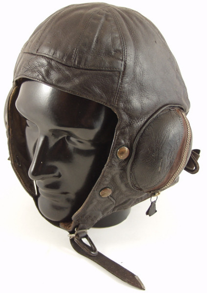 RAF B Type Flying Helmet - Click for the bigger picture