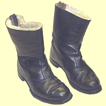 Flying (?) Boots - Click for the bigger picture