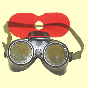 USAAF Goggles - Click for the bigger picture