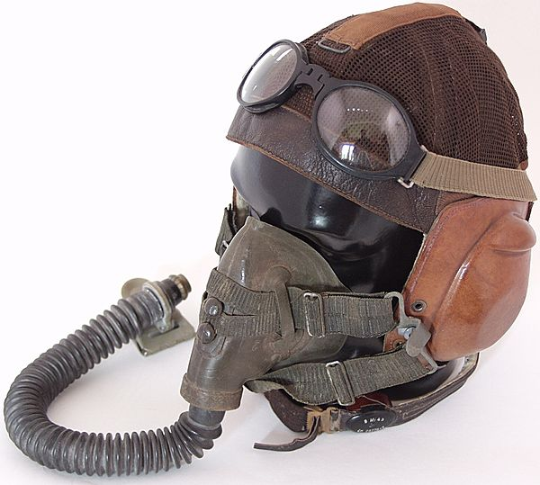 Luftwaffe Model LKpN101 Netzkopfhaube Flying Helmet - Click for the bigger picture
