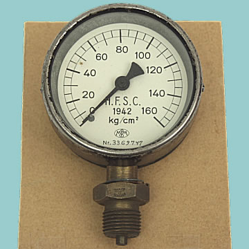 Waffen WWII Pressure Gauge - Click for the bigger picture